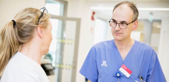 Läkare efterlyser gemensamt grepp kring vård vid covid-19