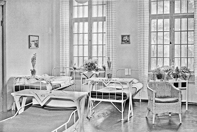 Journalerna på Ulleråker av 1949 berättar då och då om kvinnliga patienters »äktenskapsproblem«. Svårigheterna anges inte som orsak till olika psykiska symtom utan tvärtom som en följd av sinnessjukdom hos kvinnan.Foto: Axel Sagerholm