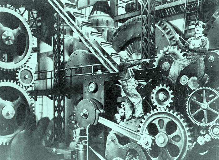 ATT KUNNAOCH VERKA.Kunskap förvärvad genom erfarenheten kan växa och få allt fler kugghjul att snurra. Åt rätt håll helst. Arbetsmomenten kring produktionsbandet ger erfarenhet som kan övergå i kunskap (som i Chaplin-filmen »Moderna tider«, från 1936). Foto: AKG/TT