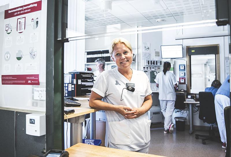 »Vi märker att flödet av äldre patienter ökar, i snitt med tusen patienter per år. En av  förklaringarna kan vara den ökade inflyttningen i kommunen och att fler bosätter sig  permanent i sina sommarstugor«, säger verksamhetschefen Catarina Pommer. Foto:Carolina Byrmo