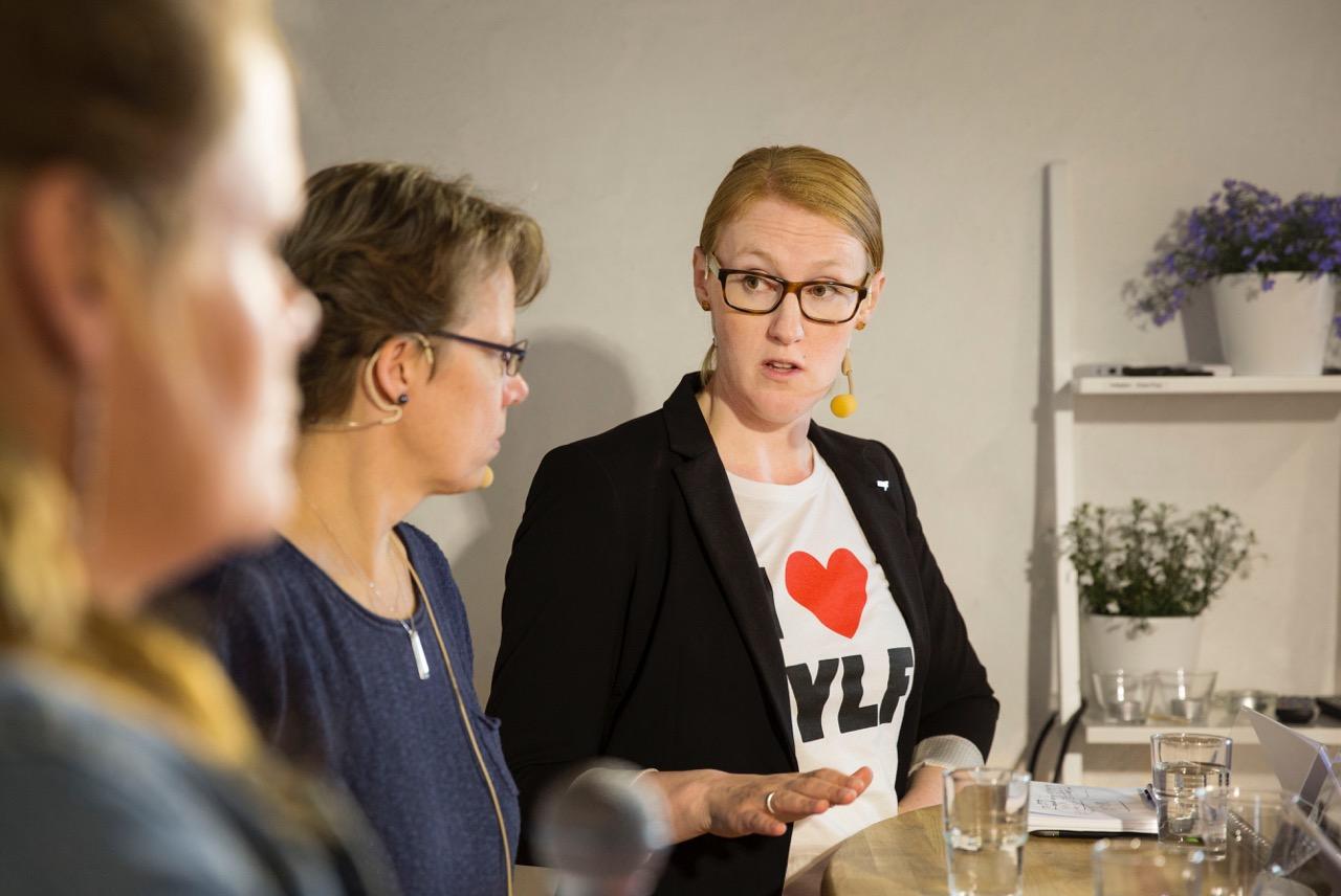 Emma Spak efterlyste»mindre strykrädda« chefer. T vMarika Hård af Segerstad och Karin Träff Nordström. Foto: Ola Torkelsson
