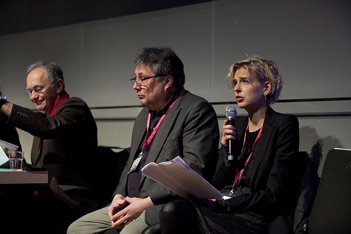Maciej Zaremba, journalist, Mats Tylstrup, organisationsforskare, och Märit Halmin, ST-läkare och initiativtagare till Läkaruppropet. Foto: Ann-Sofi Rosenkvist