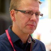 Johan Hallberg, 50, allmänläkare, arbetar med folkhälsofrågor, Landstinget Dalarna: – Jag är här för att vara med på tre seminarier om hälsofrämjande processer kopplat till hållbar utveckling, och jag är helt fokuserad på dem. Stämman är mindre i år. Kvaliteten är säkert jättebra nu också, men det är färre seminarier och deltagare. Tidigare hade stämman en tydligare funktion av att många träffades. Nu kanske de träffas på annat sätt.