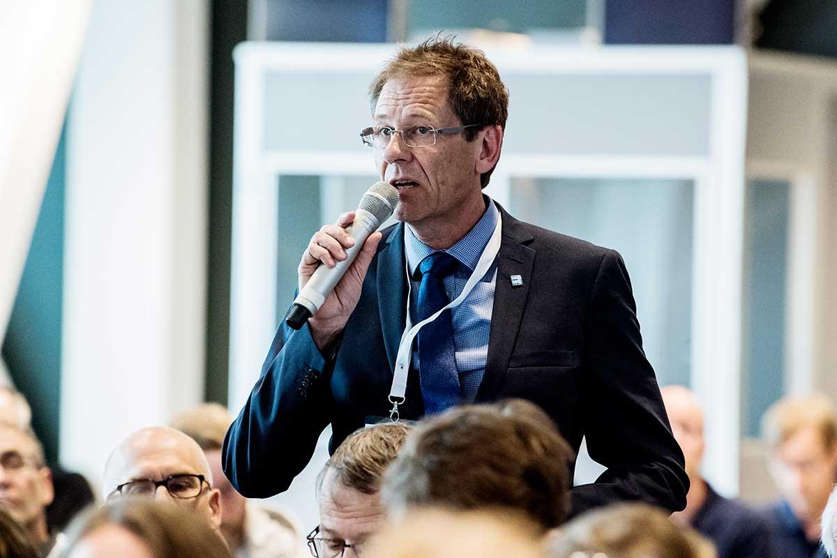 »AT är ett fantastiskt bra system – kanske Europas bästa«, sa Sten Östenson, Sjukhusläkarna och medlem i Läkarförbundets utbildnings-och forskningsdelegation. Foto: Carolina Byrmo