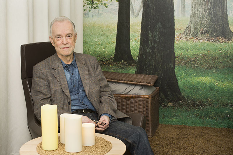 Per Anders Hultén, överläkare på vuxenpsykiatriska kliniken vid SÄS, i »Lugna rummet«. Foto: Pernilla Lundgren/Fotomedia SÄS